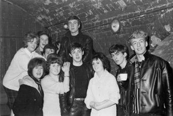 Beatles - Caverna